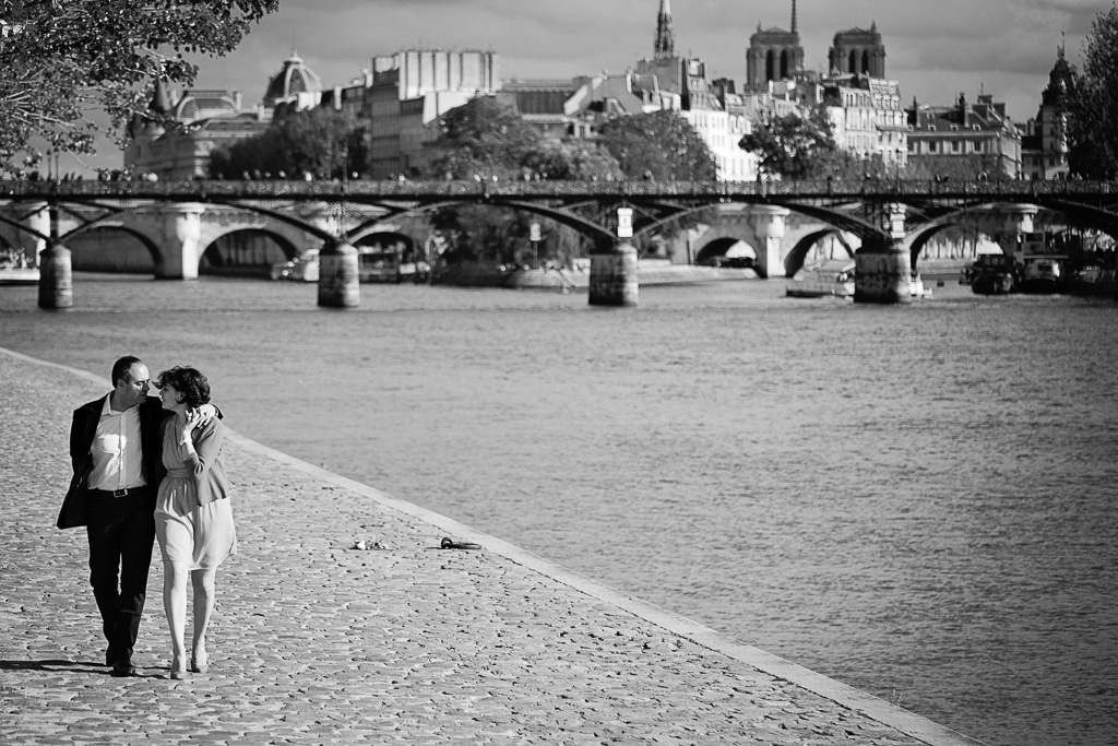 Ernestineetsafamille-photographe-couple-amoureux-Paris-9
