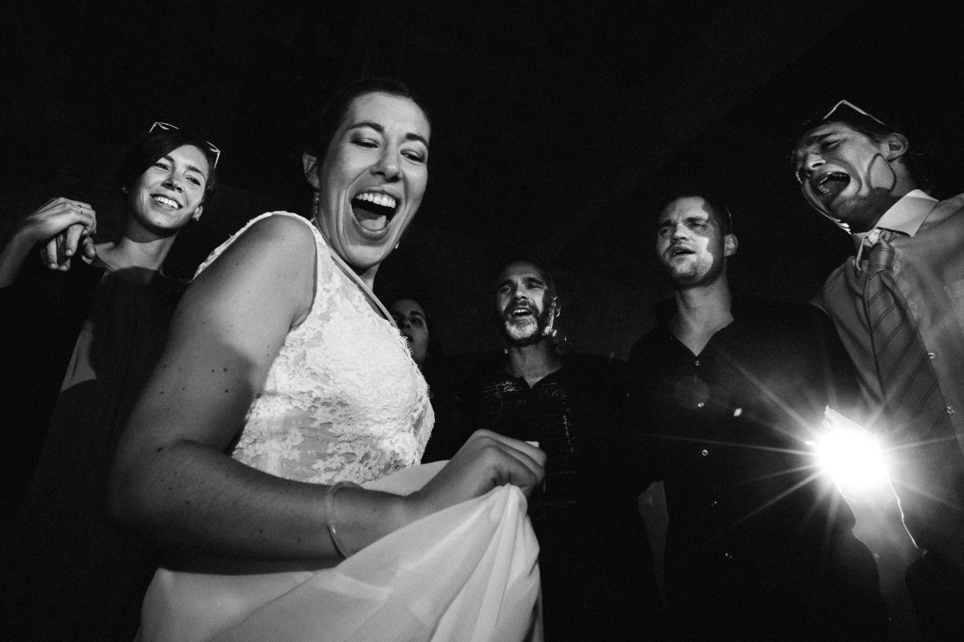 Ernestine et sa famille photographe de mariage aux Bonnes joies
