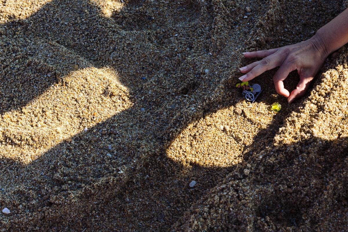 Photographier les jeux d'enfants à la plage. Reportage documentaire de famille à Nantes