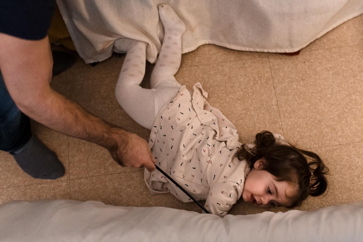 Reportage du quotidien à domicile - photo de famille par Marine Poron