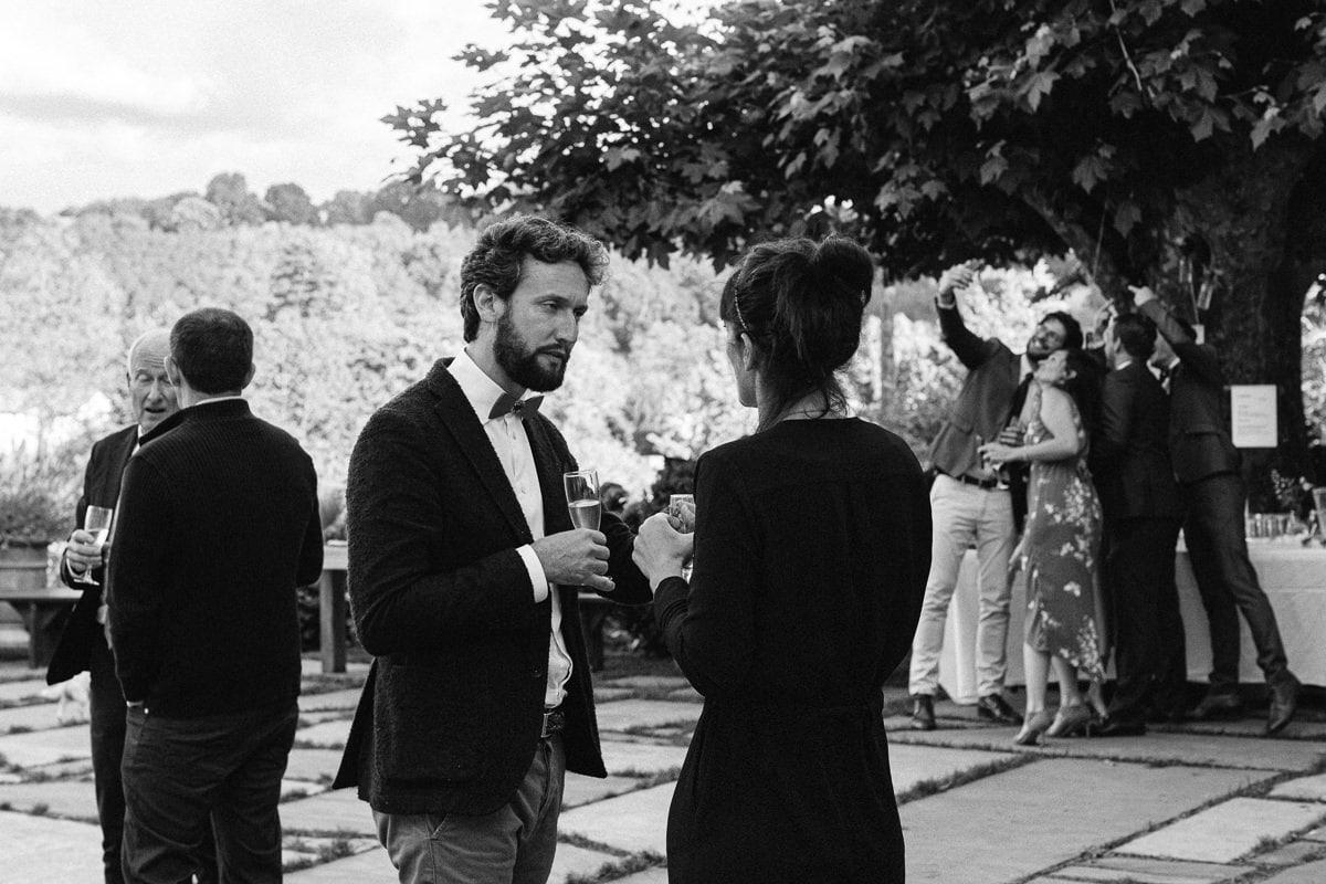 Mariage sur deux jours au Pays Basque - cocktail au gite au milieu des fougères