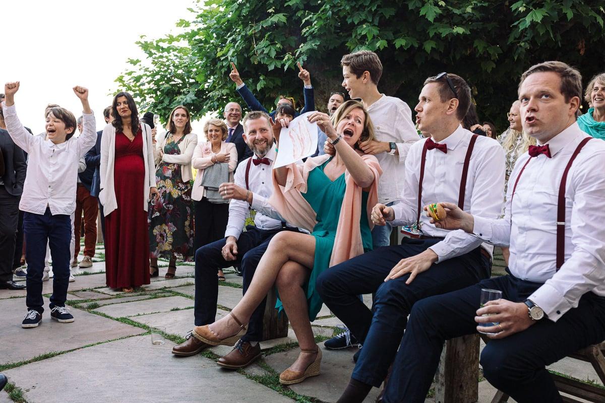 Mariage sur deux jours au Pays Basque - Brunch au gite au milieu des fougères - photo des témoins