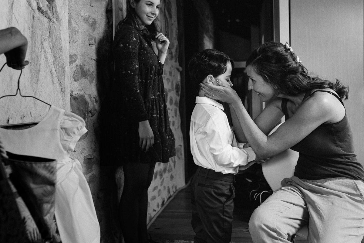 Mariage sur deux jours au Pays Basque - gite au milieu des fougères - la mariée et son fils