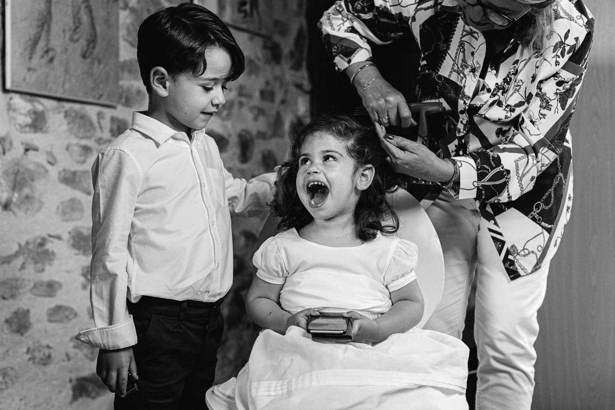 Mariage sur deux jours au Pays Basque - gite au milieu des fougères - coiffure des enfants