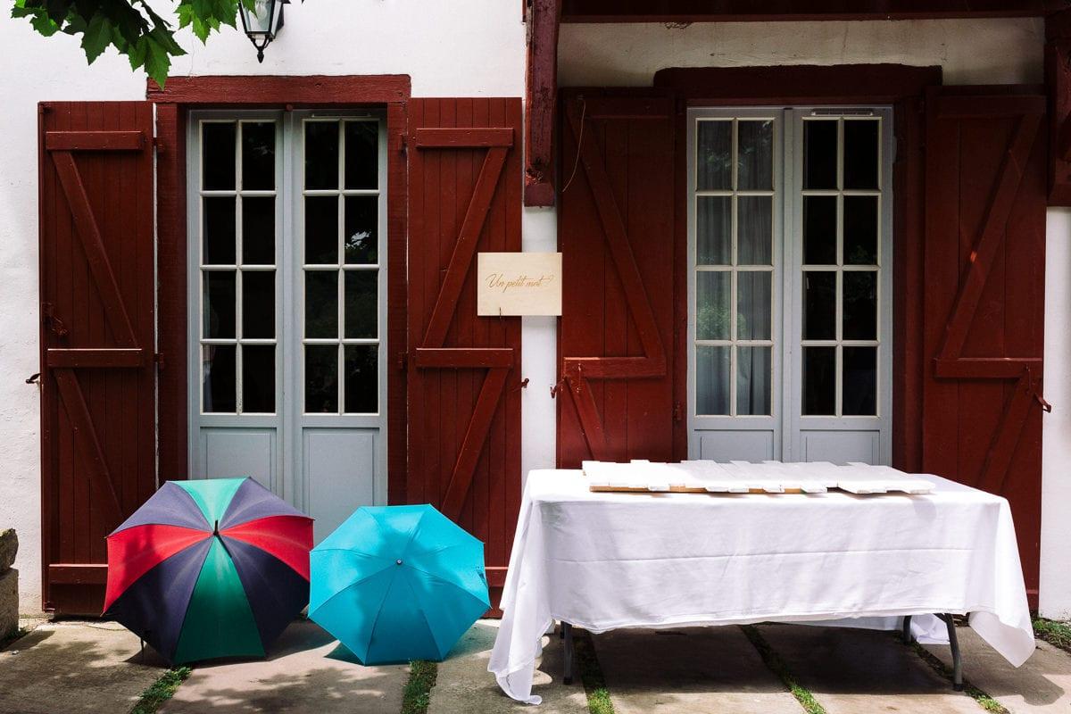 Mariage sur deux jours au Pays Basque - gite au milieu des fougères - après la pluie