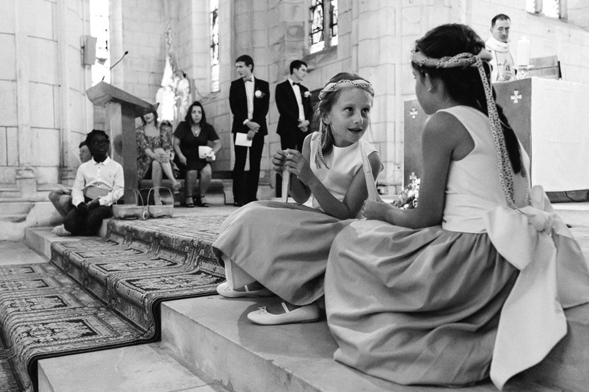 Pendant la messe de mariage - reportage photo de Mariage dans la maison familiale près d'Angoulême