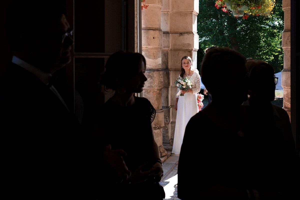 La mariée à mairie - reportage de mariage au Domaine de Verderonne dans l'Oise