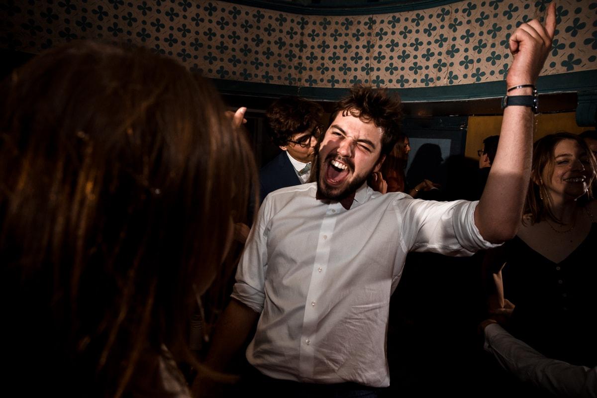 reportage photo de mariage au Domaine de Verderonne, soirée dansante, on s'amuse