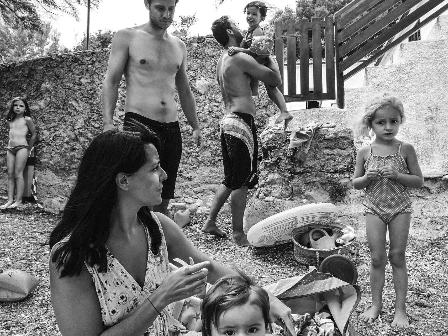 famille à la plage en espagne