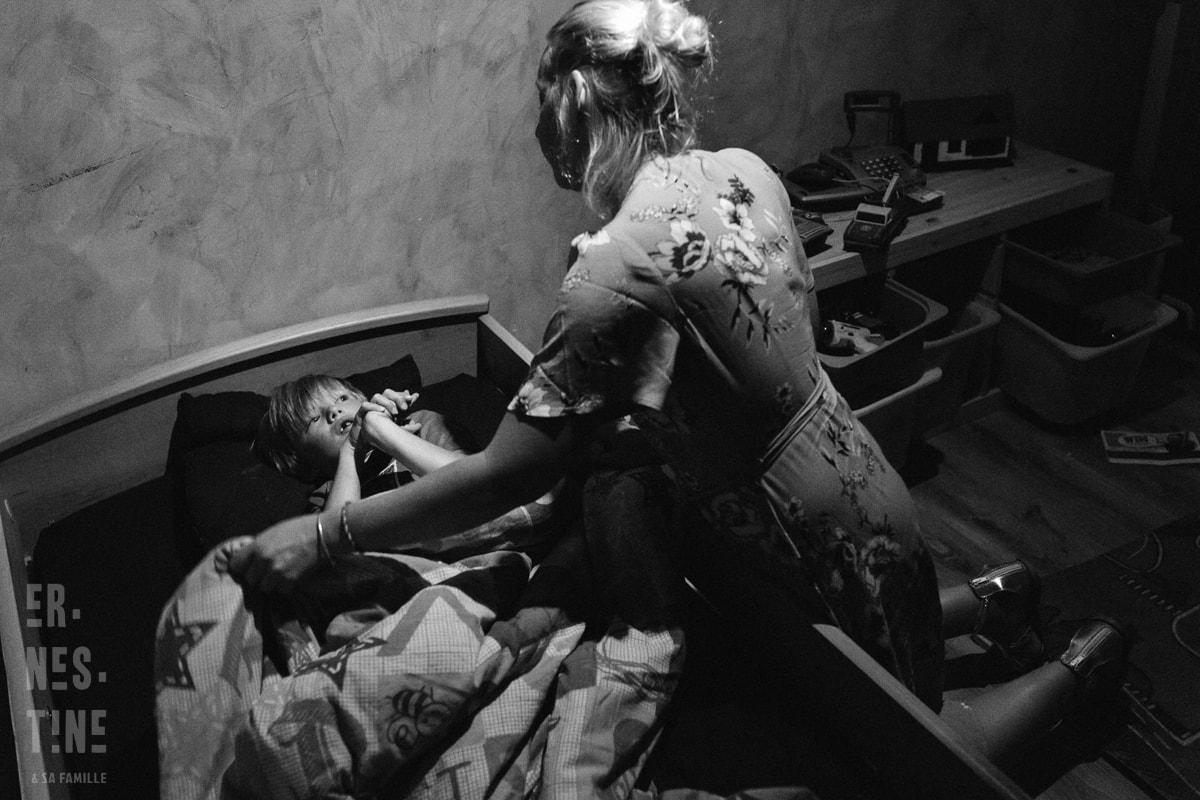 reportage documentaire de famille à Besançon - moment du coucher
